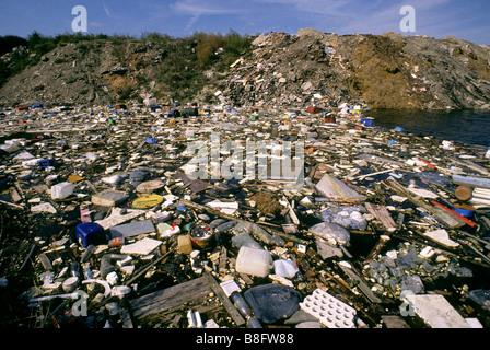 Landfill rubbish dump tip - Stock Photo