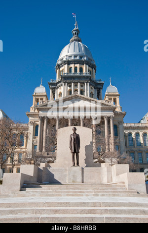 Illinois state capital building in Springfield, Illinois with Lincoln statue - Stock Photo