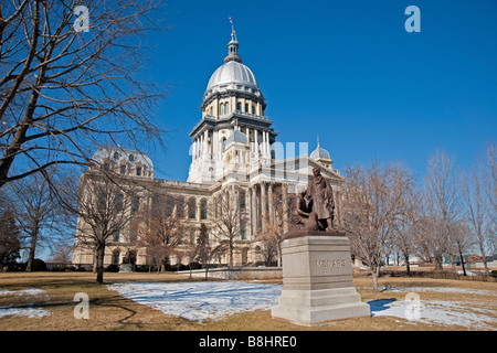 State of Illinois capitol building in Springfield, Illinois. - Stock Photo