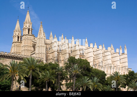 La Seu, the cathedral that stands in Palma's historic old town. - Stock Photo