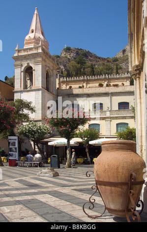 Piazza 1X Aprile Taormina Sicily 9th April Square Church of S Giuseppe - Stock Photo