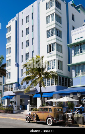 Vintage car in front of the art deco Park Central Hotel on Ocean Drive, South Beach, Miami Beach, Florida - Stock Photo