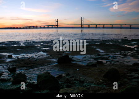 The new Severn Bridge inaugurated in 1996, seen from the Welsh side of the River Severn near Portskewett, Monmouthshire. - Stock Photo