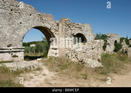 roman aqueduct near fontvieille bouches du rh ne france. Black Bedroom Furniture Sets. Home Design Ideas