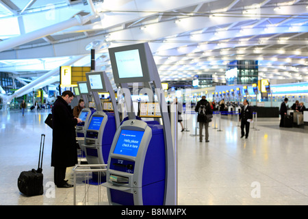 united kingdom west london heathrow airport terminal five the departures hall - Stock Photo