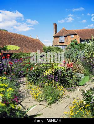 Great Dixter garden Northiam East Sussex England - Stock Photo