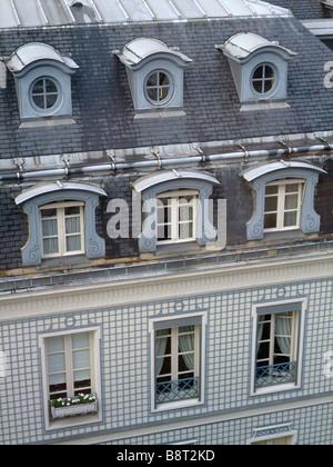 old building facade into the 9th arrondissement - 11 rue de de la Rochefoucauld - 75008 Paris city - France - Stock Photo