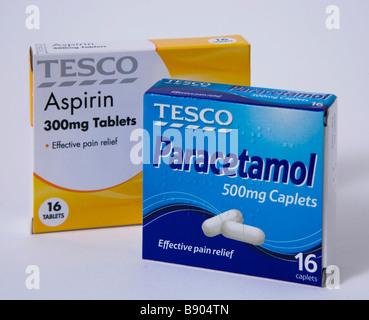cheap tesco paracetamol asprin colds flu - Stock Photo