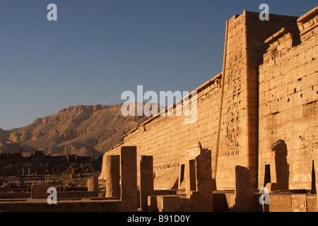 [Medinet Habu], mortuary temple of Ramses III, 'West Bank', Luxor, Egypt - Stock Photo