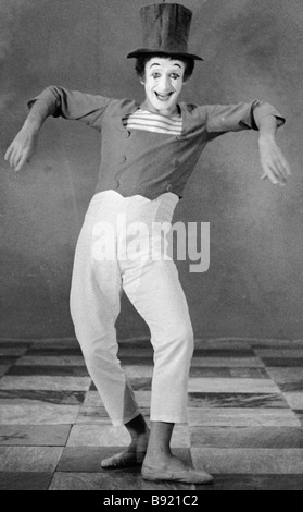 French mime Marcel Marceau performing at the Mosfilm studio - Stock Photo