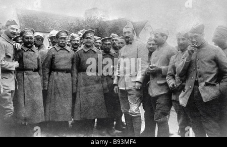 Russian and Austrian soldiers on the battlefield of the first world war 1914 1918 - Stock Photo