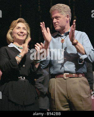 US President Bill Clinton right with his wife Hillary Clinton left attend concert show for G8 leaders - Stock Photo