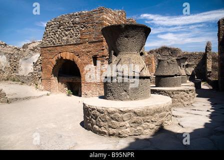 Italy, Campania, Napoli, Pompeii, oven in ruined Bakery of Modesto. - Stock Photo