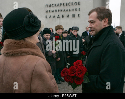 27 January 2008 Dmitry Medvedev First Deputy Chairman of the Russian government right laid flowers to the tombs - Stock Photo
