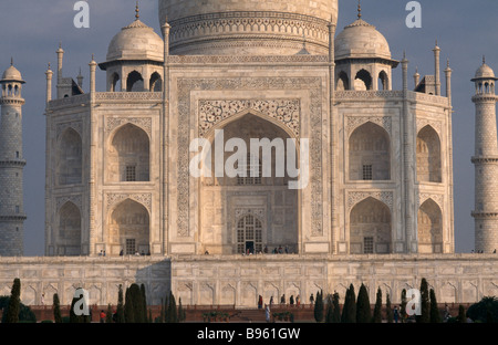 INDIA Uttar Pradesh Agra Close cropped view of exterior facade of the Taj Mahal.  1631-1653, 17th C. seventeenth - Stock Photo