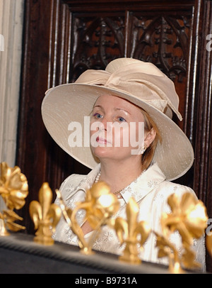 Mrs Lyudmila Putin visited the National Gallery in London during Russian President Vladimir Putin s state visit - Stock Photo