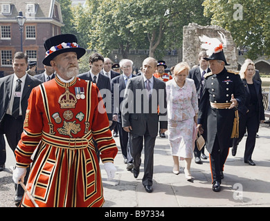 Russian President Vladimir Putin on an official visit to the United Kingdom and Mrs Lyudmila Putin visited the Tower - Stock Photo
