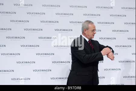 Prof Dr Martin Winterkorn chief executive officer of the Volkswagen AG during annual press conference 2009 - Stock Photo
