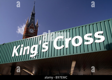 Sign above the main entrance to the King's Cross mainline railway station, London.  St Pancras visable behind. March - Stock Photo