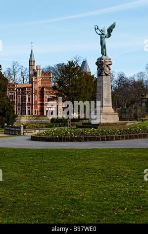 Saltwell Towers and War Memorial in Saltwell Park Gateshead - Stock Photo