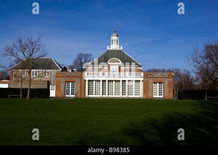 The Serpentine Gallery Kensington Gardens London - Stock Photo