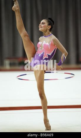 Alina Kabaeva Stock Photo: 5888480 - Alamy Alina Kabaeva Gymnastics
