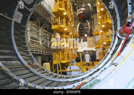 Preparing to launch Soyuz TMA 10 manned spacecraft due to lift off on April 7 2007 from the Baikonur space center - Stock Photo