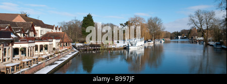 A panoramic image of Goring Lock on the Oxfordshire Berkshire border - Stock Photo