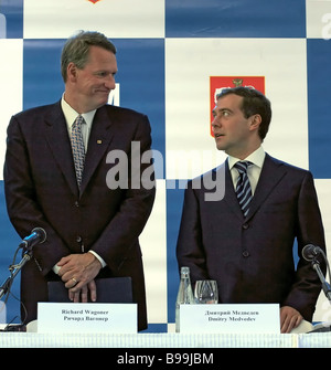 General Motors Chairman and CEO Rick Wagoner and First Vice Premier of the Russian Government Dmitry Medvedev left - Stock Photo