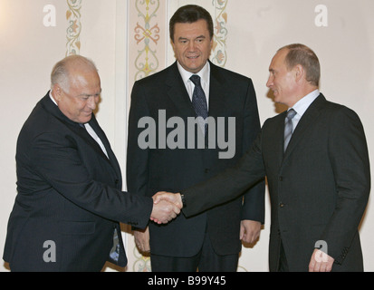 Russian Ambassador to Ukraine Viktor Chernomyrdin Ukrainian Prime Minister Viktor Yanukovych and Russian President - Stock Photo