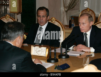 Russo Kyrgyz negotiations in the Kremlin Left to right Kyrgyzstan s President Kurmanbek Bakiev Sergei Lavrov Russia - Stock Photo
