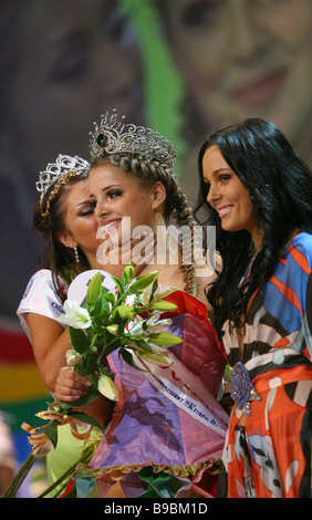 Muscovite Alexandra Mazur 19 wins the Russian Beauty 2006 contest - Stock Photo