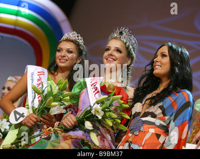 Muscovite Alexandra Mazur center 19 wins the Russian Beauty contest - Stock Photo