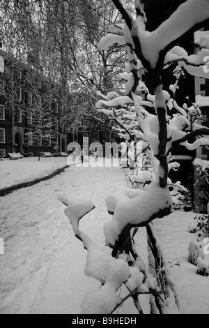 Heavy snow in Fountain Court, Middle Temple, Inns of Court, London - Stock Photo