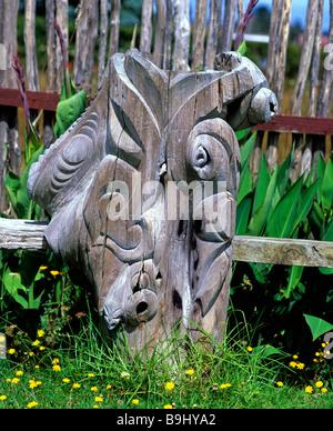 Maori carving, Rotorua, North Island, New Zealand - Stock Photo
