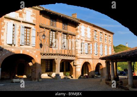 France, Tarn et Garonne, Auvillar, labelled Les Plus Beaux Villages de France (The Most Beautiful Villages of France), - Stock Photo
