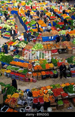 Turkey, Central Anatolia, Konya, vegetables and fruits market - Stock Photo