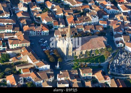 France, Charente Maritime, Ile de Re, Sainte Marie de Re (aerial view) - Stock Photo