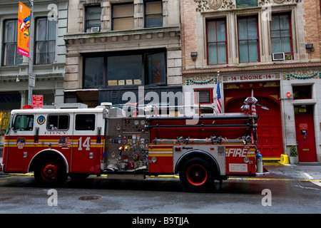 Fire Engine outside Fire Station in New York City - Stock Photo