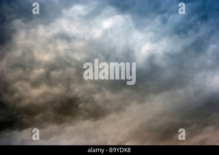 Storm clouds gather as an approaching front moves in - Stock Photo
