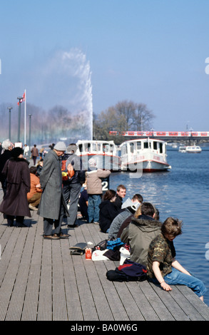 April 2, 2009 - Locals and tourists alike enjoy the first warm day of spring in the German city of Hamburg. - Stock Photo