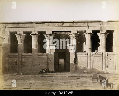 geography / travel, Egypt, Edfu, temple of Horus, interior court, photograph by Gabriel Lekegian and Co., circa - Stock Photo