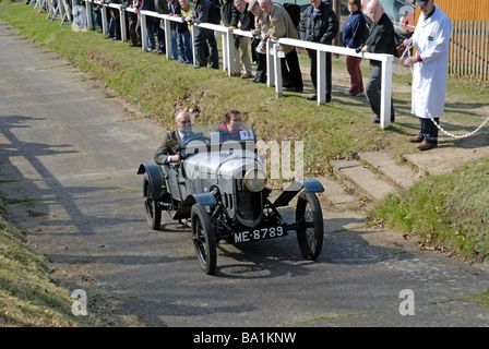 ME 8789 a 1922 GN Popular Peter Allen ascending at speed on the Brooklands Museum Test Hill Challenge celebrating - Stock Photo