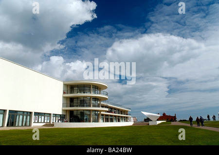 The renovated 1930s Art Deco De La Warr Pavilion, on the seafront, Bexhill on Sea, England. - Stock Photo