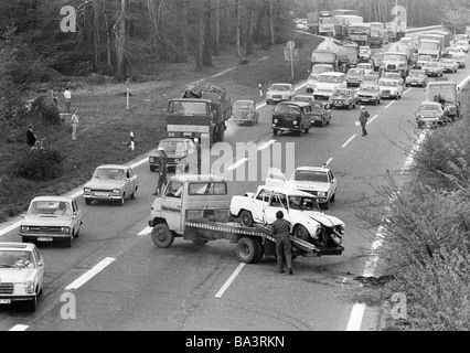 Seventies, black and white photo, traffic, car crash on the motorway A2, highway junction Oberhausen, breakdown - Stock Photo