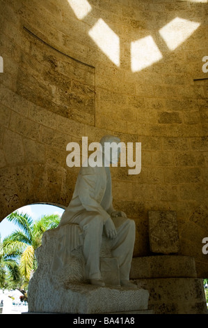 CUBA Santiago de Cuba Statue of Marti inside the Mausoleum of Jose Marti in the Santa Ifigenia Cemetery March 2009 - Stock Photo
