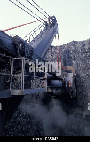 Dragline excavator at coal mine - Stock Photo