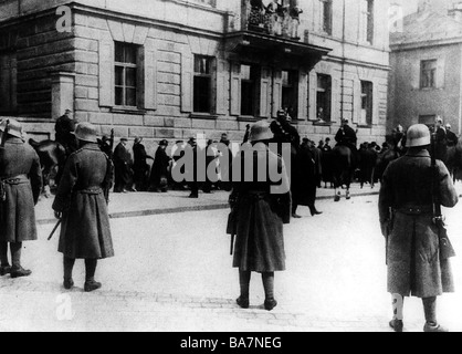 justice, lawsuits, Hitler Ludendorff Trial, People's Court, Munich, 26.2. - 1.4.1924, cordon by police outside of - Stock Photo