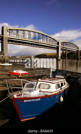 The Royal Albert Bridge that links Devon and Cornwall across the River Tamar - Stock Photo