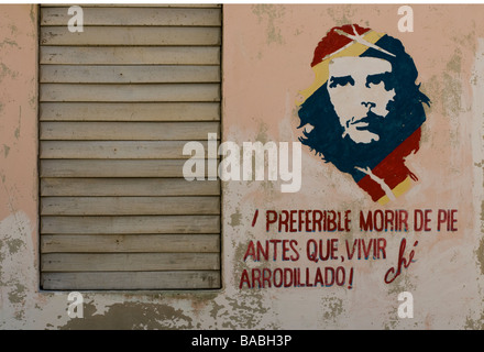 Wall mural of Che Guevara in a village in northern Cuba. - Stock Photo
